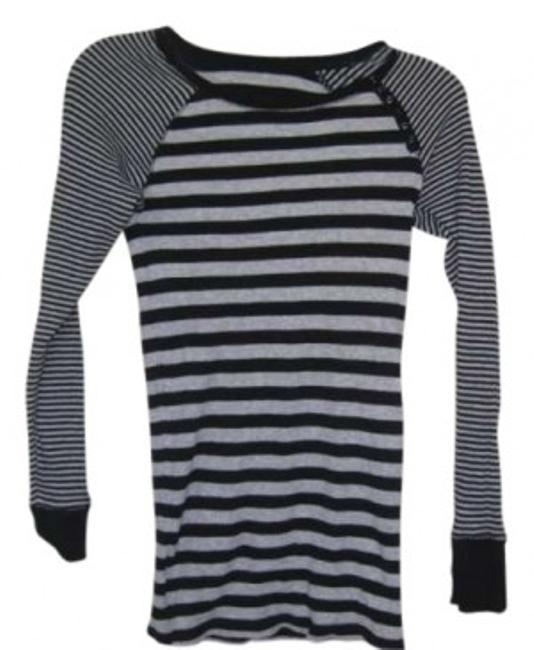 Preload https://item1.tradesy.com/images/gap-black-and-grey-striped-waffle-cotton-maternity-tee-shirt-size-8-m-29-154885-0-0.jpg?width=400&height=650