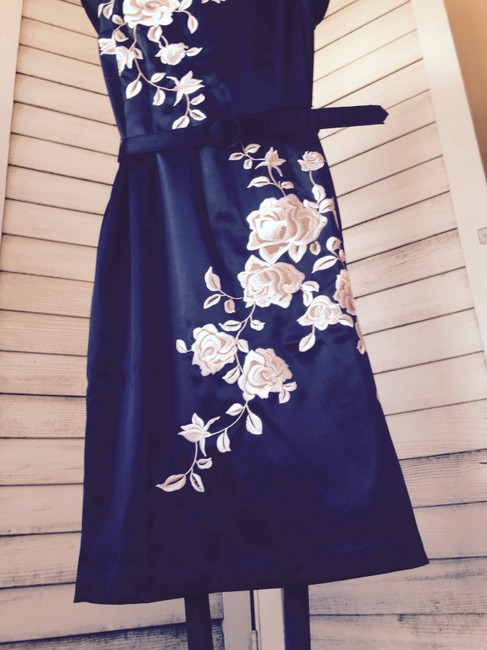 White House | Black Market Sheath Embroidered Roses Evening Formal Fancy Tie Belted Asian Wedding Highheel Dress