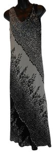BLACK FLORAL Maxi Dress by Jones New York Sheath Sleeveless Maxi