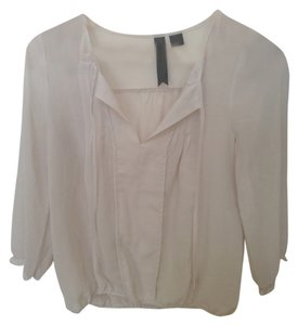 Petticoat Alley Sheer Casual V-neck Light Weight Loose Loose Flattering Pretty Top Cream