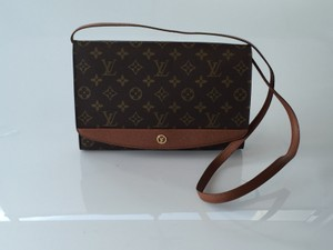 Louis Vuitton Clutches Bordeaux Shoulder Bag