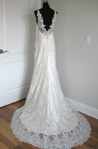 Essense of Australia Ivory Lace Over Ivory Satin D1786 Feminine Wedding Dress Size 8 (M)