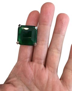 Other Emerald colored fashion jewelry