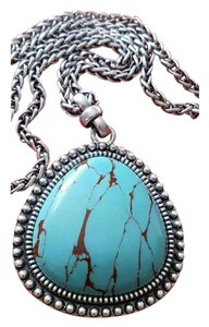 Lucky Brand LUCKY BRAND STATEMENT TURQUOISE COLORED PENDANT NECKLACE