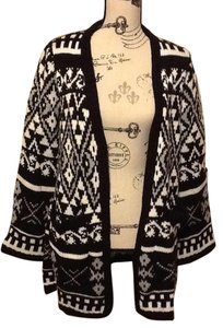 Joe Boxer Geometric Thick Long Sleeve Crochet Flared Sleeves Cardigan
