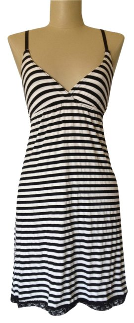 Item - Black and White Striped Above Knee Short Casual Dress Size 4 (S)