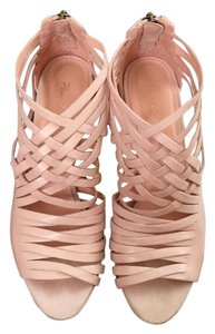 Pour La Victoire Dusty Peach (Blush/Light Pink) Platforms