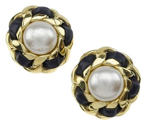 Chanel Chanel Vintage Pearl & Leather Round Earrings