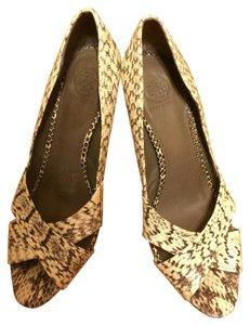 Tory Burch Tan Reptile Pumps