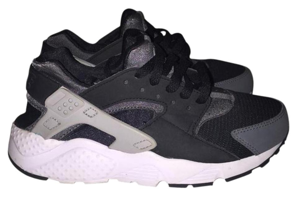 official photos 4a017 50c90 Nike Black White and Grey Huaraches Sneakers Size US 6 54% off retail