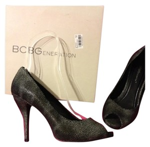 BCBGeneration Gray Black Pebble Pumps