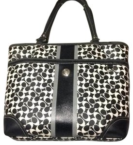 Coach Tote in Black/cream