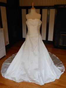 Pronovias Ivory Satin 5030 Destination Wedding Dress Size 10 (M)