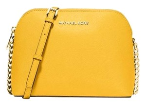 ed8fdfd2c24f Michael Kors Crossbody Bags - Up to 70% off at Tradesy