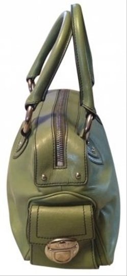 Preload https://img-static.tradesy.com/item/15519/marc-jacobs-in-green-leather-satchel-0-0-540-540.jpg