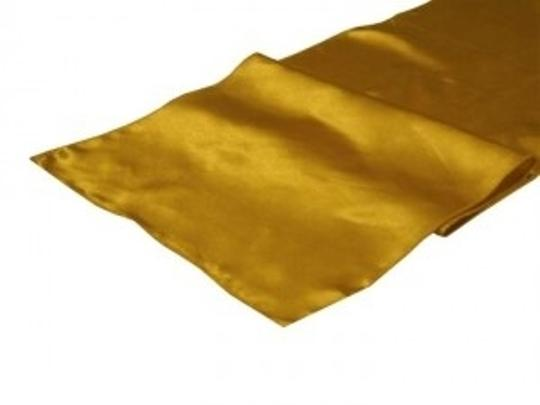 Preload https://item2.tradesy.com/images/gold-satin-table-runners-tablecloth-155216-0-0.jpg?width=440&height=440