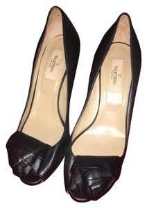 Valentino Black Pumps