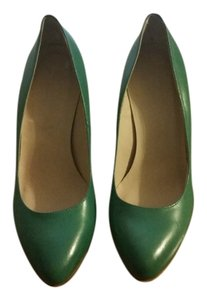 Le Chateau Pointed Toe Italian Leather Green Turquoise Blue Jade Wedges