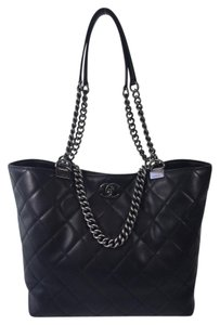 Chanel Lambskin Leather Tote in Black