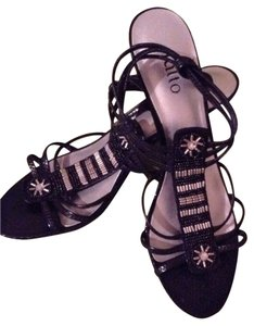Rialto black with silver Sandals