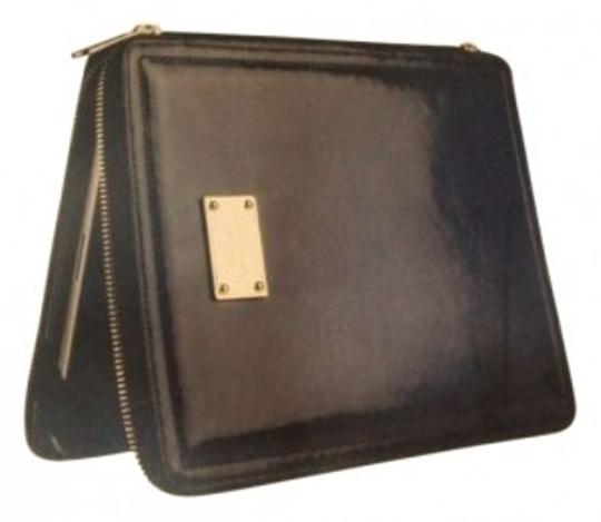 Preload https://item5.tradesy.com/images/michael-kors-black-jet-set-ipad-case-with-easel-tech-accessory-155284-0-0.jpg?width=440&height=440