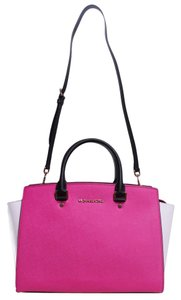 Michael Kors Satchel in Raspberry/White/Black