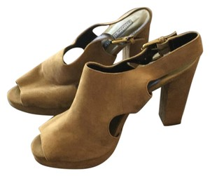 Banana Republic Sand Platforms