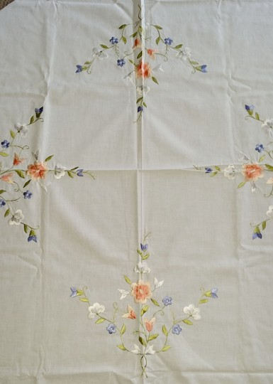 White Linen and Embroidered Flowers Vintage Applique Floral Tablecloth Decoration Image 3