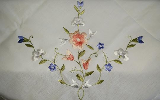 White Linen and Embroidered Flowers Vintage Applique Floral Tablecloth Decoration Image 4