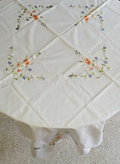 White Linen and Embroidered Flowers Vintage Applique Floral Tablecloth Decoration Image 5