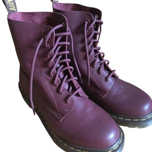 Dr. Martens Leather Grunge cherry red Boots