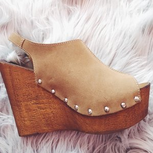 Charles David Camel Wedges