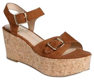 DV by Dolce Vita Onya Platform Brown Sandals