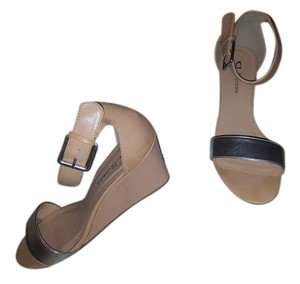 Chinese Laundry Tan and Silver Wedges