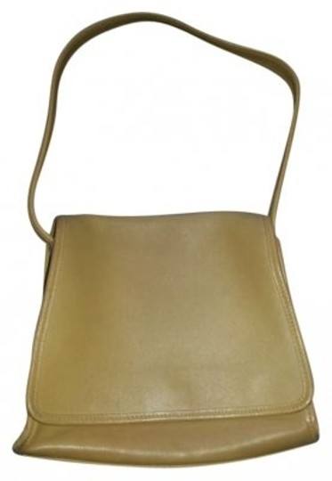 Preload https://item2.tradesy.com/images/coach-color-camel-leather-shoulder-bag-155401-0-0.jpg?width=440&height=440