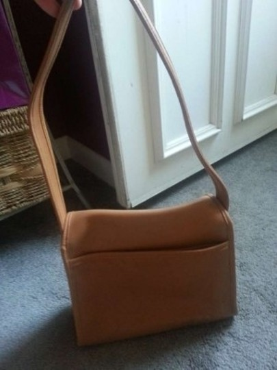 Coach Genuine Leather Sturdy Color No Designer Color Shoulder Bag