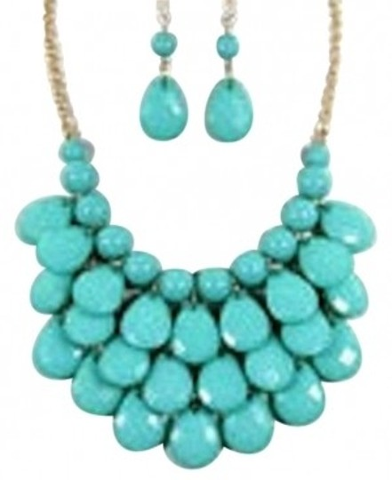 Preload https://item3.tradesy.com/images/multi-color-bib-necklace-155432-0-0.jpg?width=440&height=440