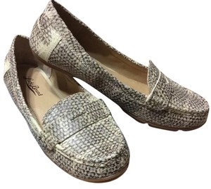 Lucky Brand Leather Loafers Luckey Beige Flats