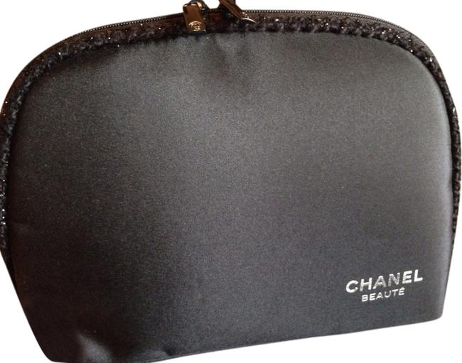 Item - Black and Silver Logo / Make Up / Cosmetic Bag