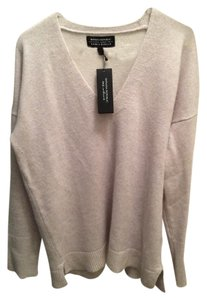 Banana Republic Todd and Duncan Cashmere V-neck Sweater