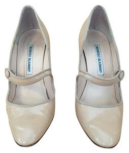 Manolo Blahnik Mary Jane Patent Leather Nude Pumps