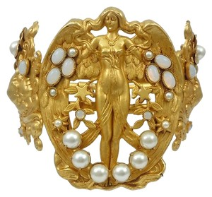 Askew London Askew London Winged Goddess Pearl Hinged Bracelet