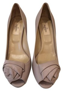 Valentino Leather Very Comfortable Peep Toe Taupe Pumps
