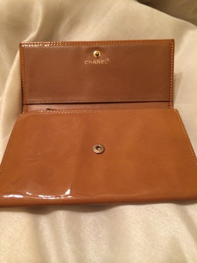 Chanel Chanel brown enamel wallet