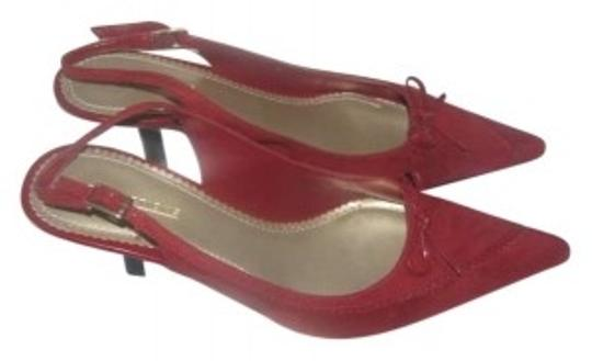 Preload https://item3.tradesy.com/images/predictions-red-pumps-size-us-11-155572-0-0.jpg?width=440&height=440