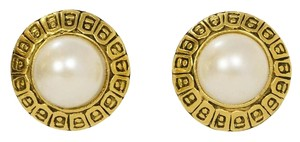 Chanel Chanel Textured Gold & Pearl Disc Clip On Earrings
