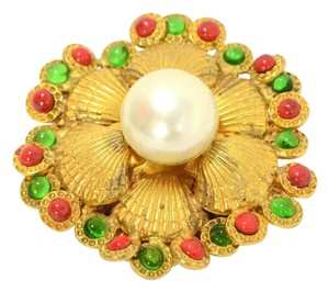 Chanel Chanel Gripoix & Pearl Gold Seashell Brooch