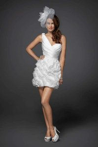 White Silk Organza and Taffeta Swirl Ruffle Asymmetric Modern Wedding Dress Size 4 (S)