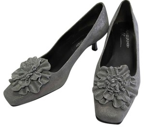 Donald J. Pliner Pewter Kitten Heel Sude Gray/Pewter Pumps