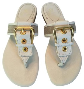 J Vincent Leather Thong Flat Like New Off White Ivory Sandals